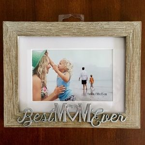 Best Mom Ever 4x6 wooden frame. 3d silver letters.